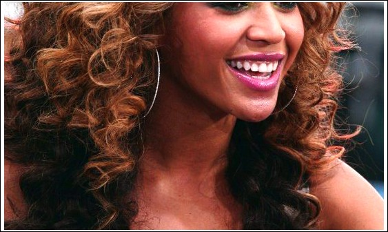 Beyonce Knowles Curly Ombre Frisur